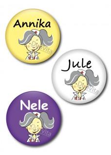 Button Krankenschwester Grau Haar